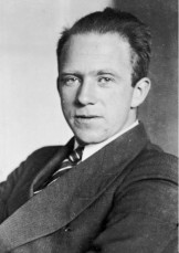 Werner Heisenberg - Important Scientists - The Physics of ... Werner Heisenberg Atomic Model